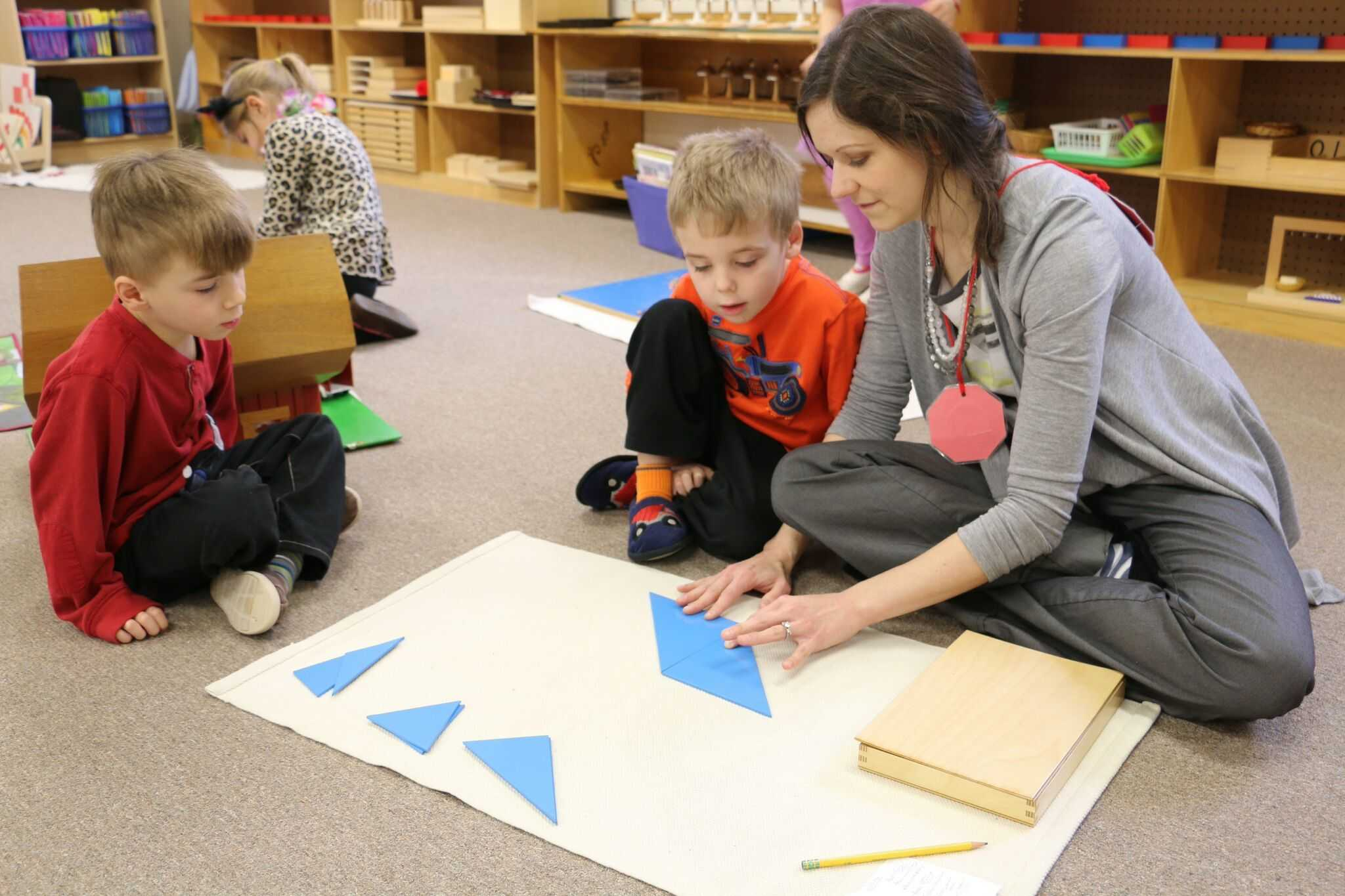 role of montessori teacher The function of the practicum phase is to provide for the adult learner a  supervised teaching/learning experience and a period of observation,  internalization,.